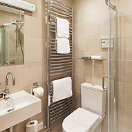 Southey en suite bathroom